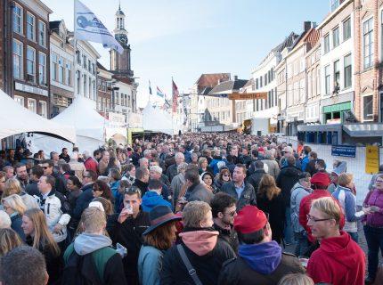 Bokbiermarkt op  6 locaties in het centrum van Zutphen